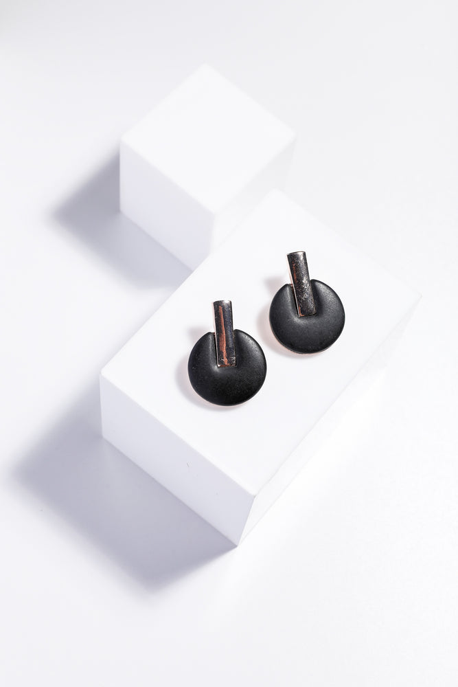 JUNE EARRINGS - BLACK