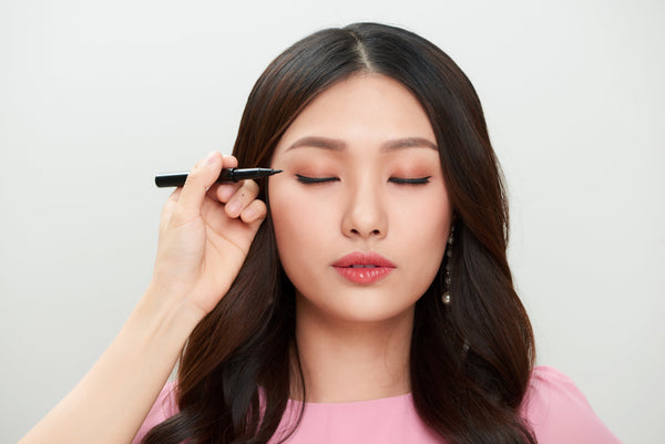 THE BEST EYELINER LOOKS FOR YOUR EYE SHAPE