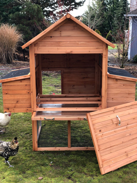 RESORT Chicken Coop     In Stock and Ready to ship! Only 2 left!