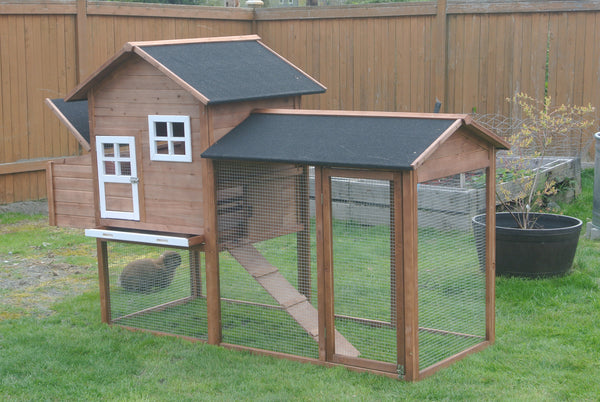 THE LODGE    LIGHT MAPLE DELUXE CHICKEN COOP  Clear stain Almost Gone - Ready to ship.