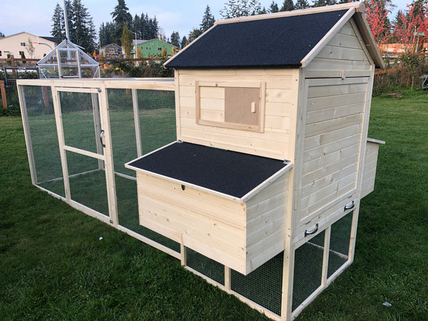 RESORT Chicken Coop  in stock and ready to ship.