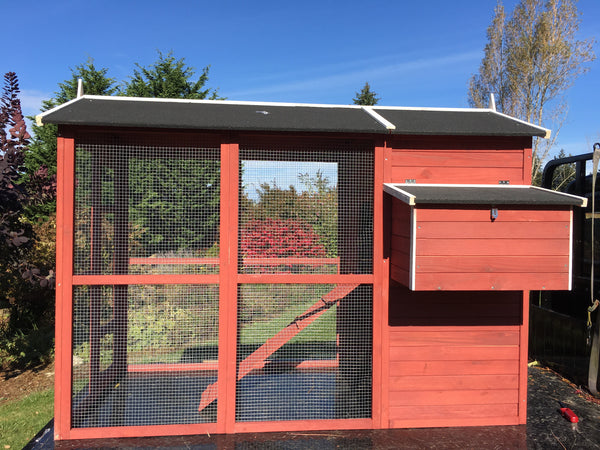 FarmHouse Coop In Stock