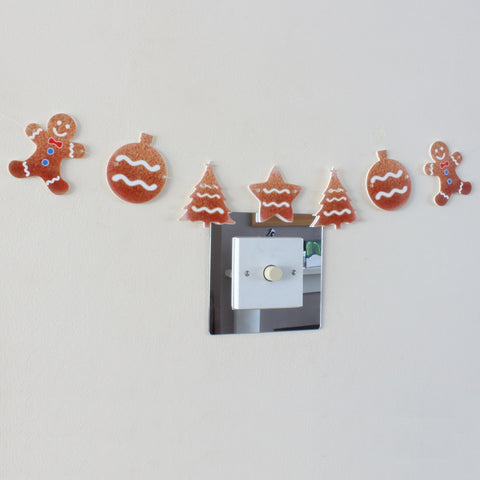 8 Piece Gingerbread Christmas Garland Decoration