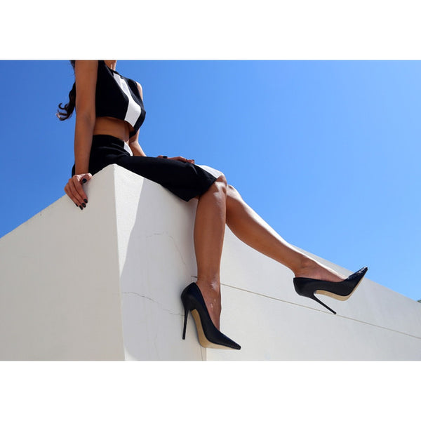 Izoa Black Khloe Pumps