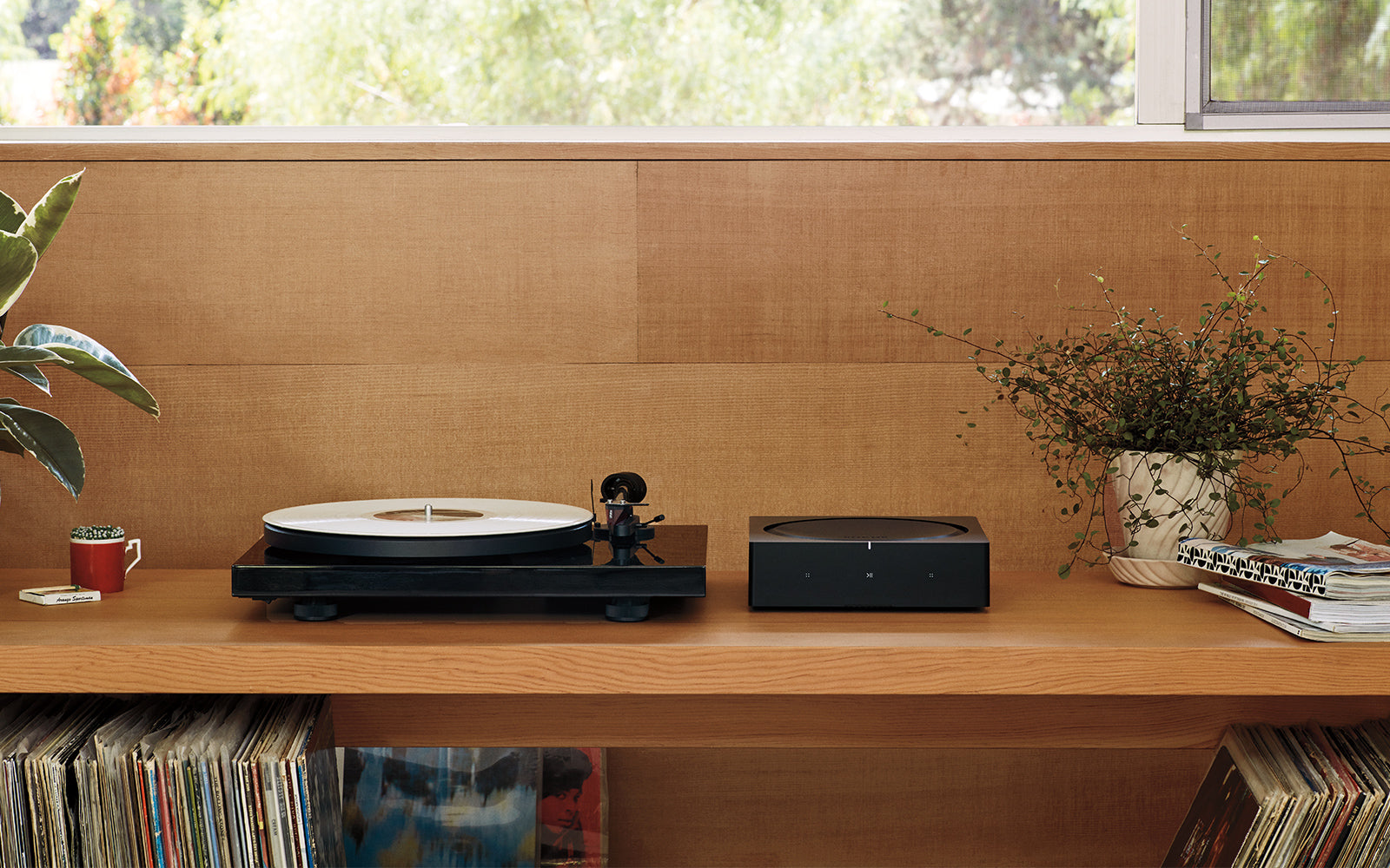 All new Sonos Amp Turntable Lifestyle