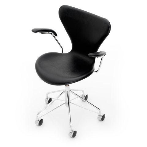 Fritz Hansen - Series 7 Swivel Armchair - Color - Lekker Home - 1