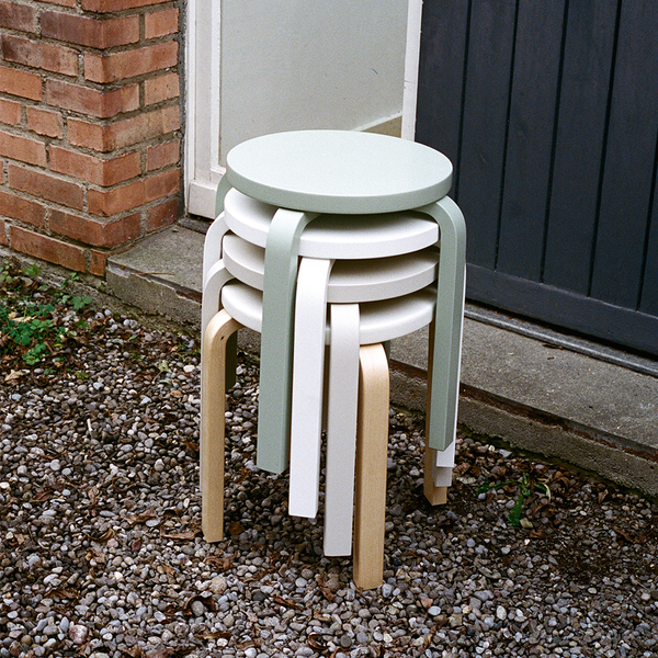 Artek - Stool E60 - Natural Lacquered / IKI White HPL - Lekker Home