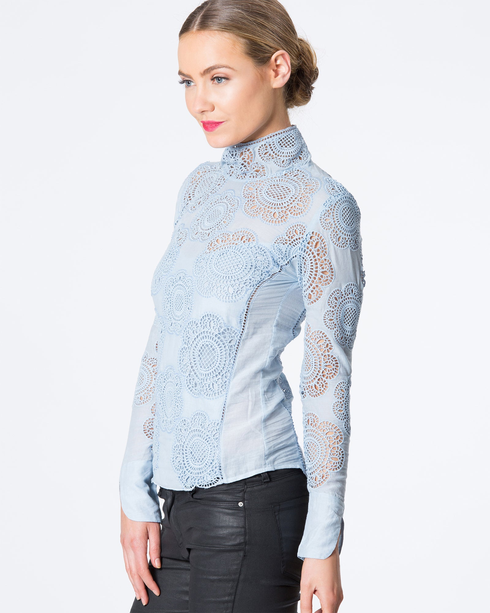HIGH NECK LONG SLEEVED LACE TOP