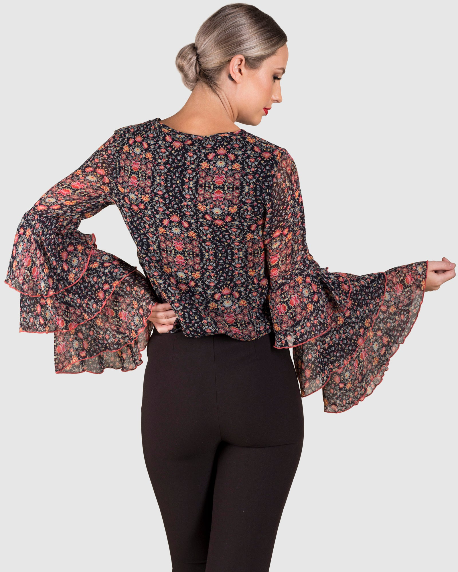 THE LAYERED SLEEVE PRINTED TOP