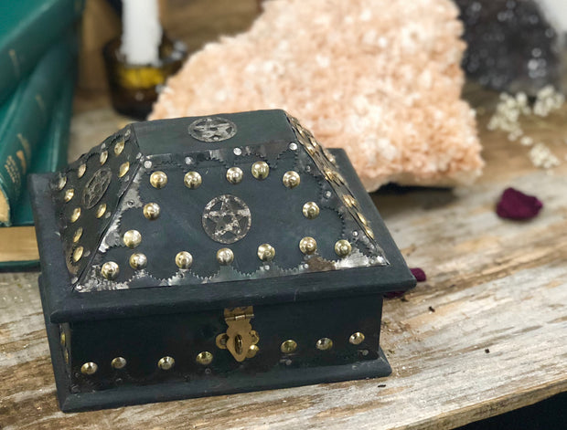 Pentacle Ritual Chest