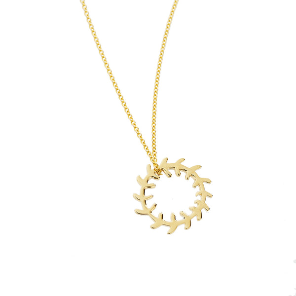 Wreath Pendant in Yellow Gold