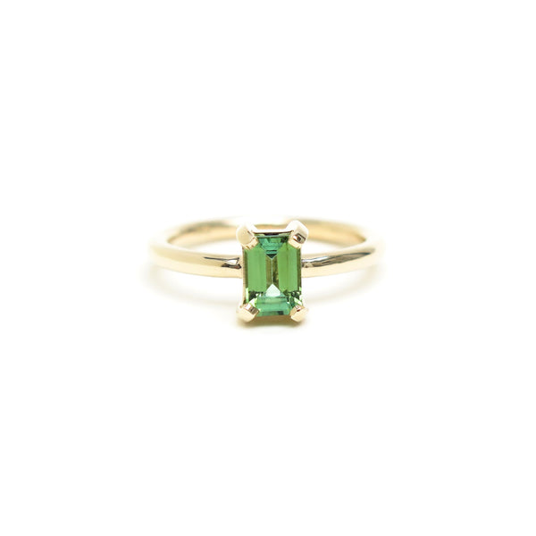 Four Claw Bright Green Emerald Cut Tourmaline Ring in Yellow Gold
