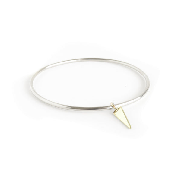 The Klipvis Bangle in Brass and Silver