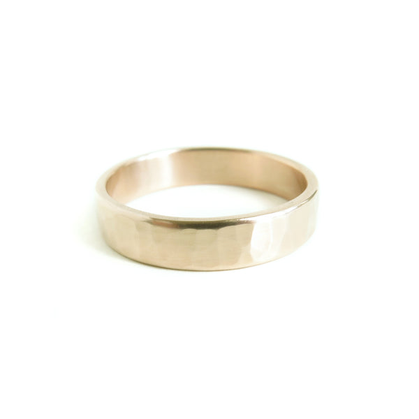 Men's Hammered Band in Yellow Gold