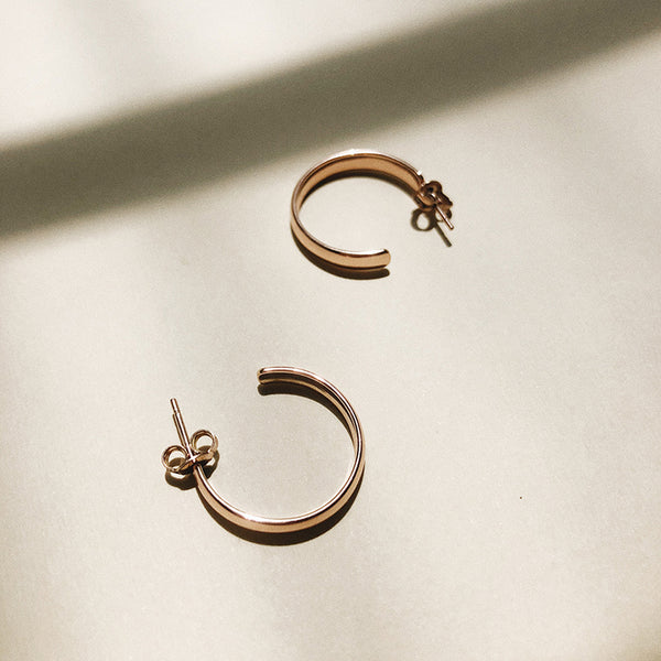 Medium Hoop Earrings in White Gold