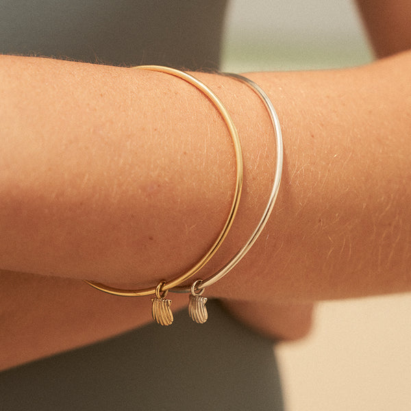 The Shell Bangle in Silver