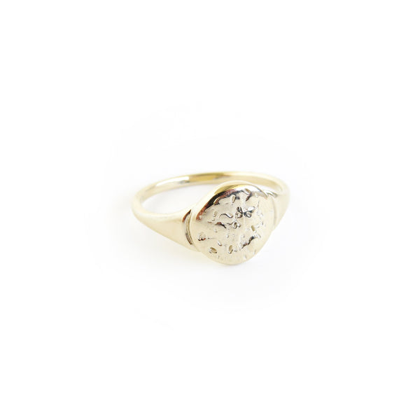 The Shore Ring in Yellow Gold
