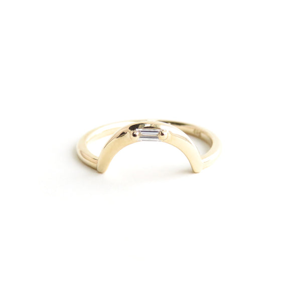 White Baguette Diamond Arch Band in Yellow Gold