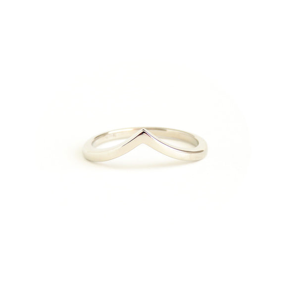 Wishbone Ring in White Gold