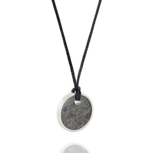 # Small Unisex Circle Necklace