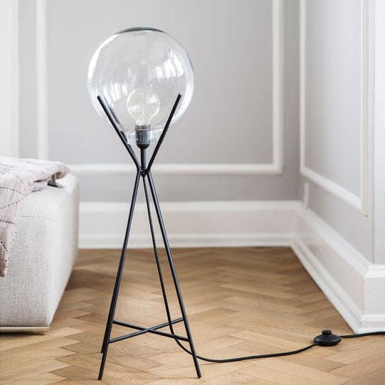 A SIMPLE MESS KNOLD LAMPE - Tablo.no