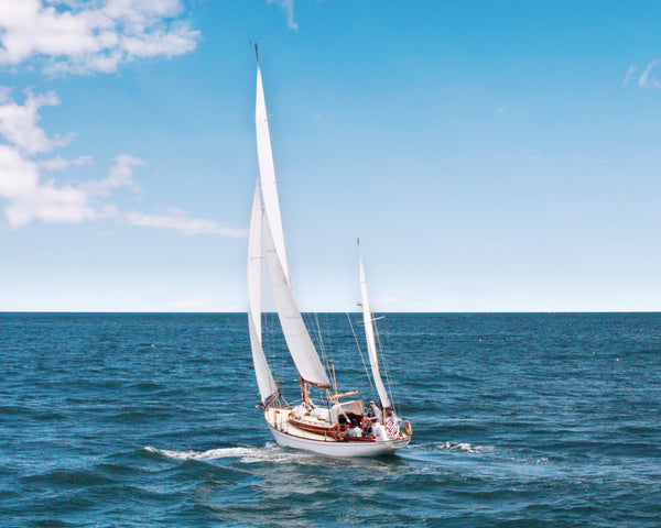 How to differentiate types of sailboats