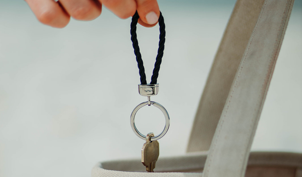 pete's point rope keychain in navy and stainless steel
