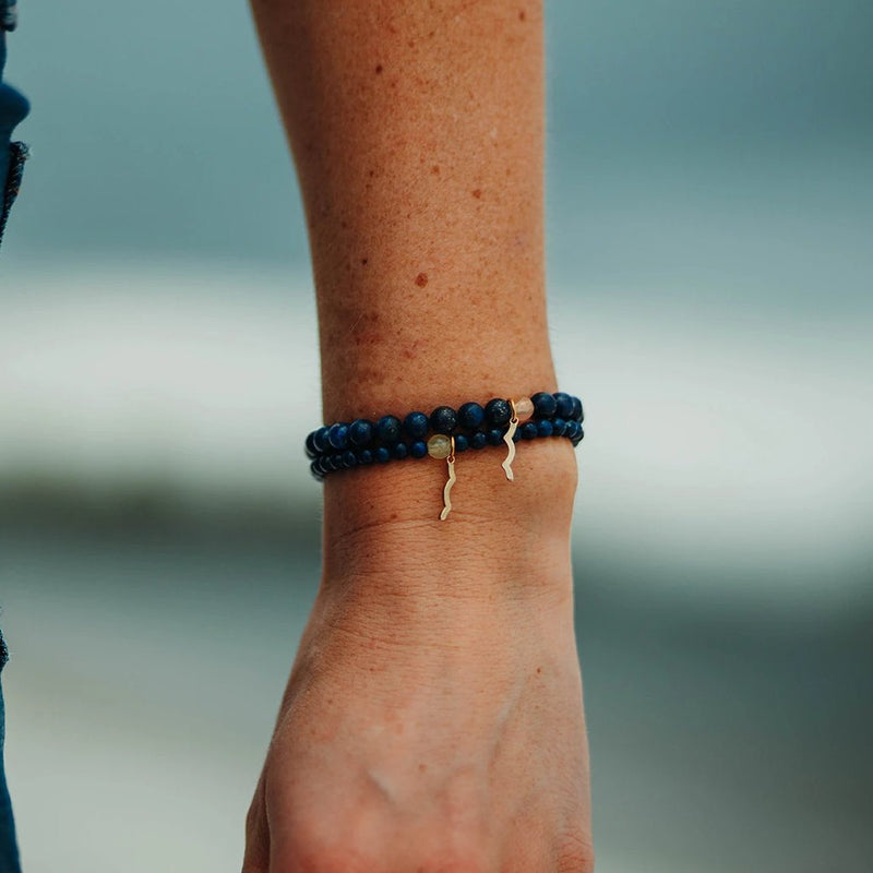 Rayminder beach bracelet | UV beaded bracelet in lapis lazuli