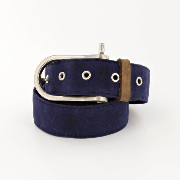 Lookout Waxed Cotton Belt with Shackle Buckle in Navy