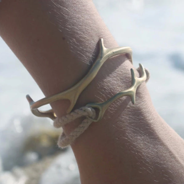Drift Rope Bracelet in Brass from our Coral Collection