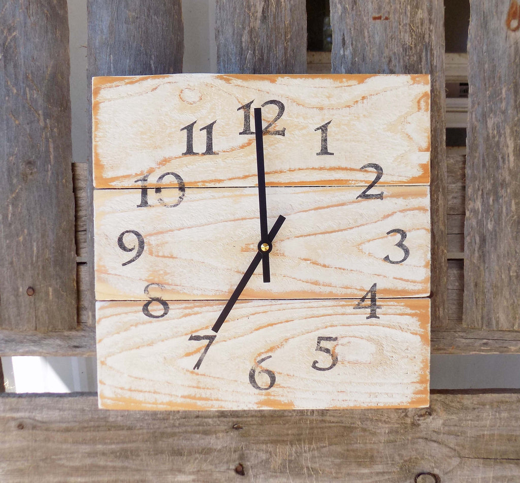 Rustic White Wood Wall Clock, Farmhouse clock, Primitive Home Decor, Farmhouse Decor, Pallet Clock, Rustic Home Decor, Square Pallet Clock