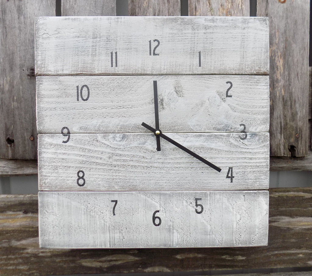 Rustic White Washed Pallet Clock - The Pallet Doctor