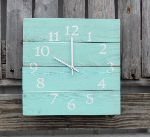 Aqua Beach Style Pallet Clock - The Pallet Doctor