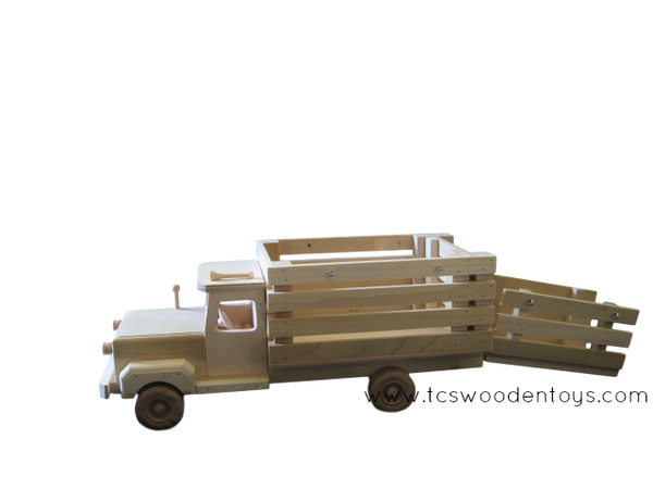 CL11 Wooden Toy Truck with Ramp - side view