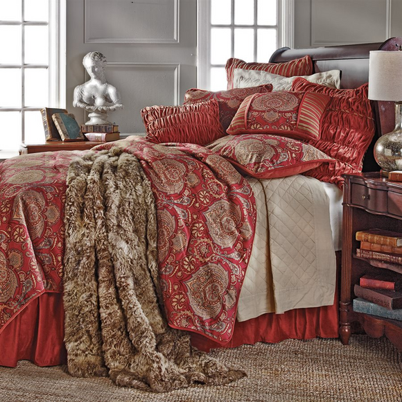 Lorenza Bedding Collection