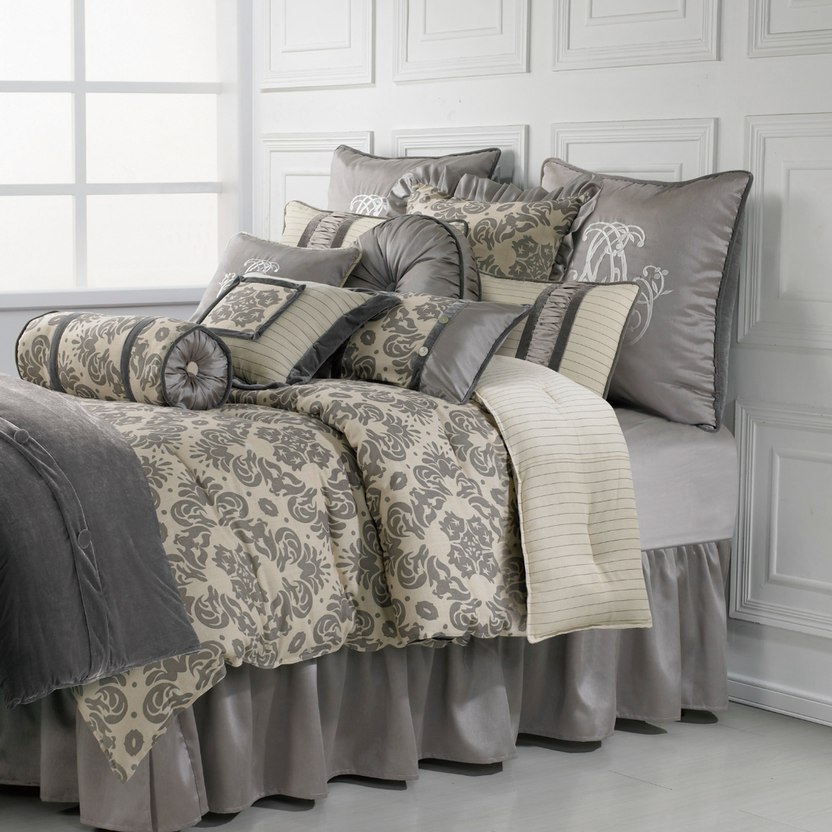 FB3840 Kerrington  Comforter Set