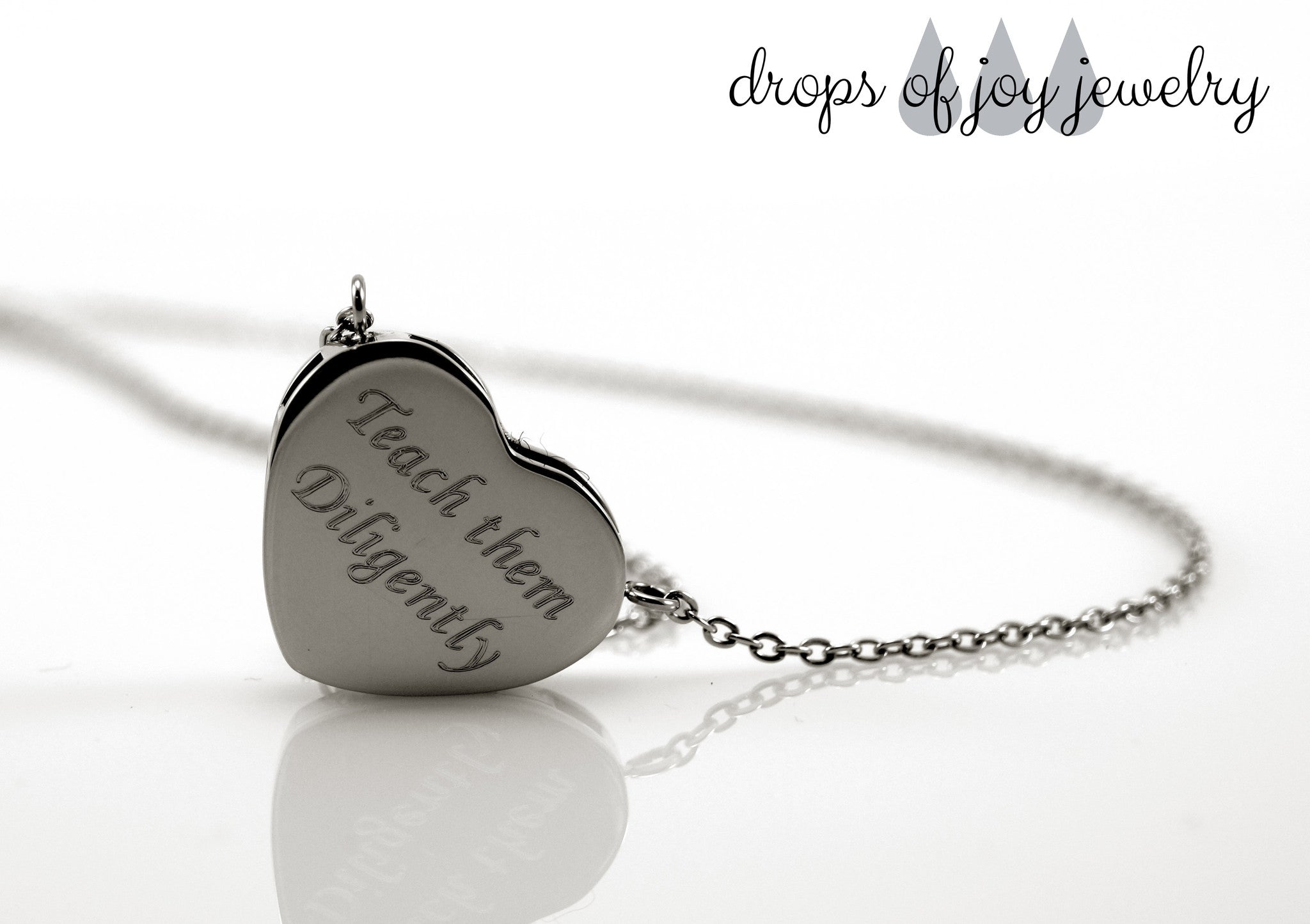 Modern Heart Diffuser Necklace
