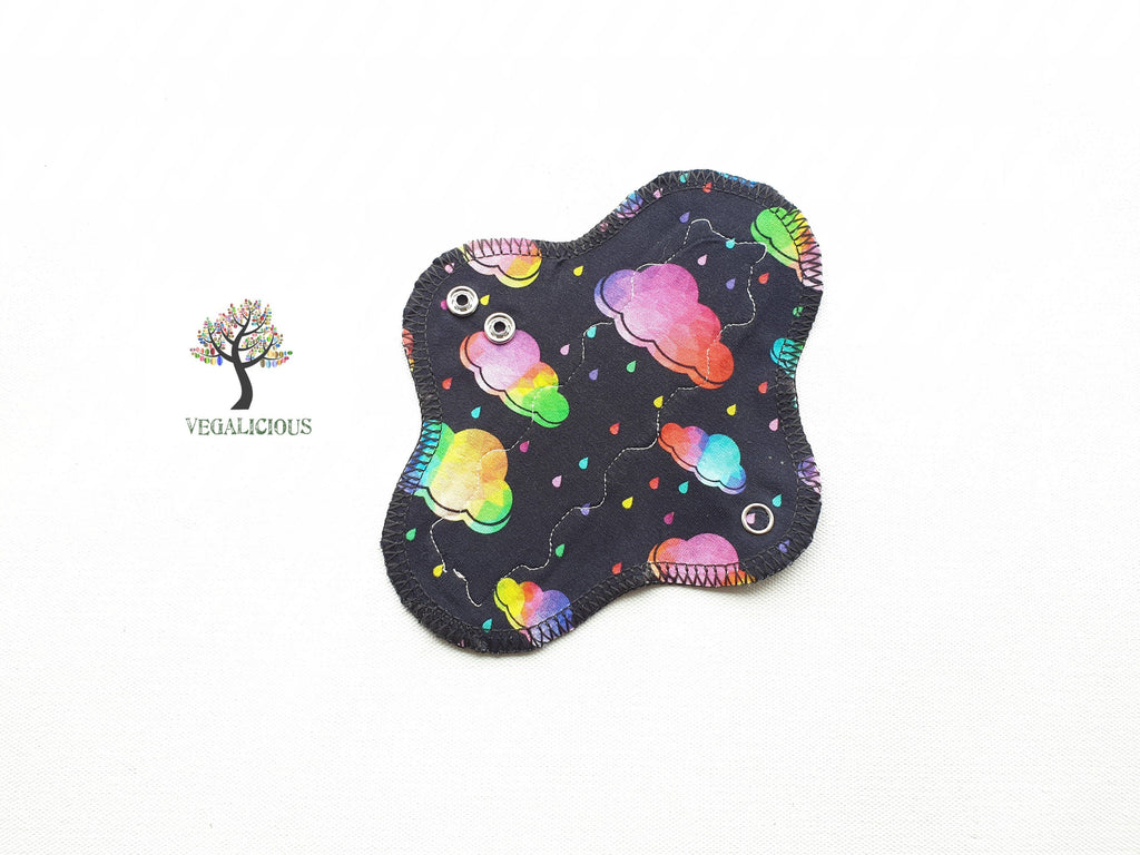 "Instock Cloth Pads - Vegalicious - 7"" Slim - Light - Cloth Pad - Natural Fibre Waterproof"
