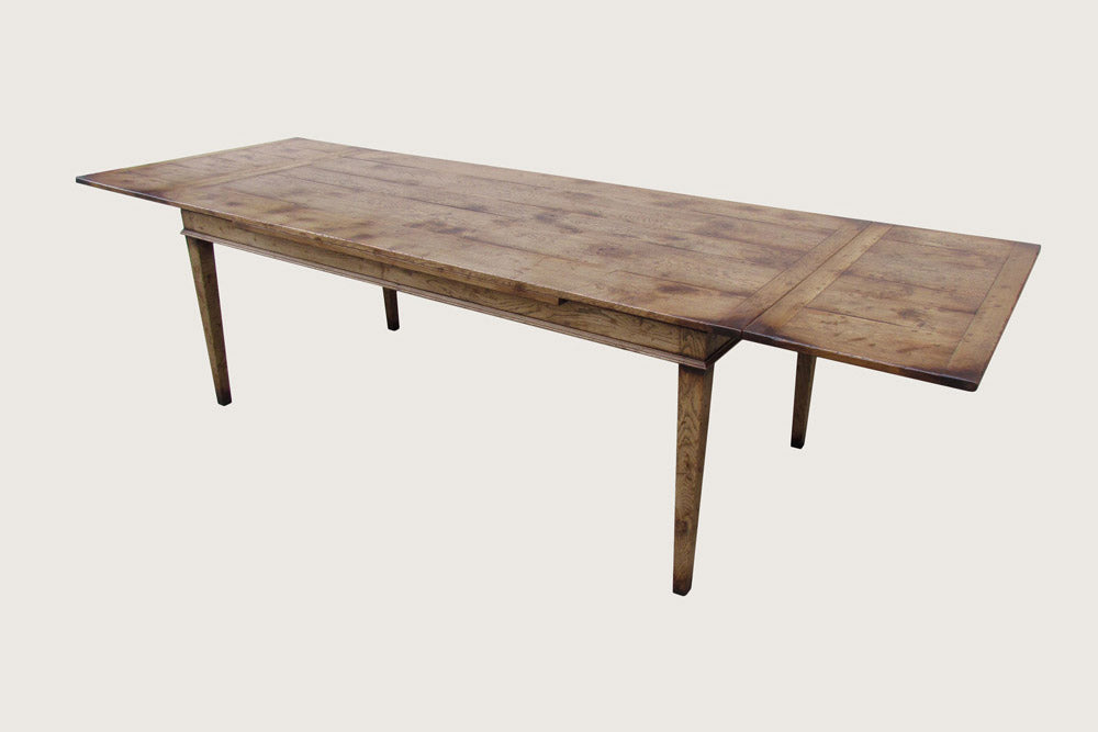 Oak Dining Table, Farmhouse design with Two draw out Leaves.