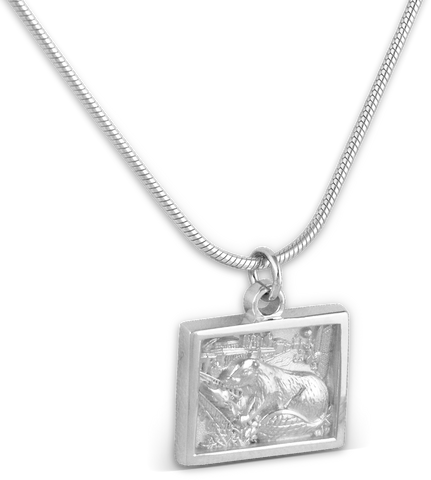 2019 Pendant with Chain in White Ultrium