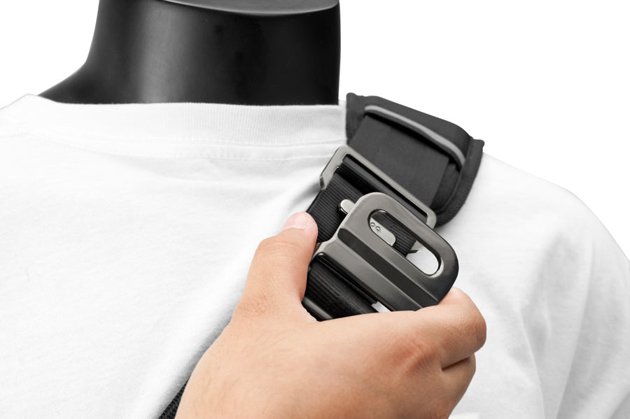 Seatbelt nylon shoulder strap with magnetic quick release for nerve