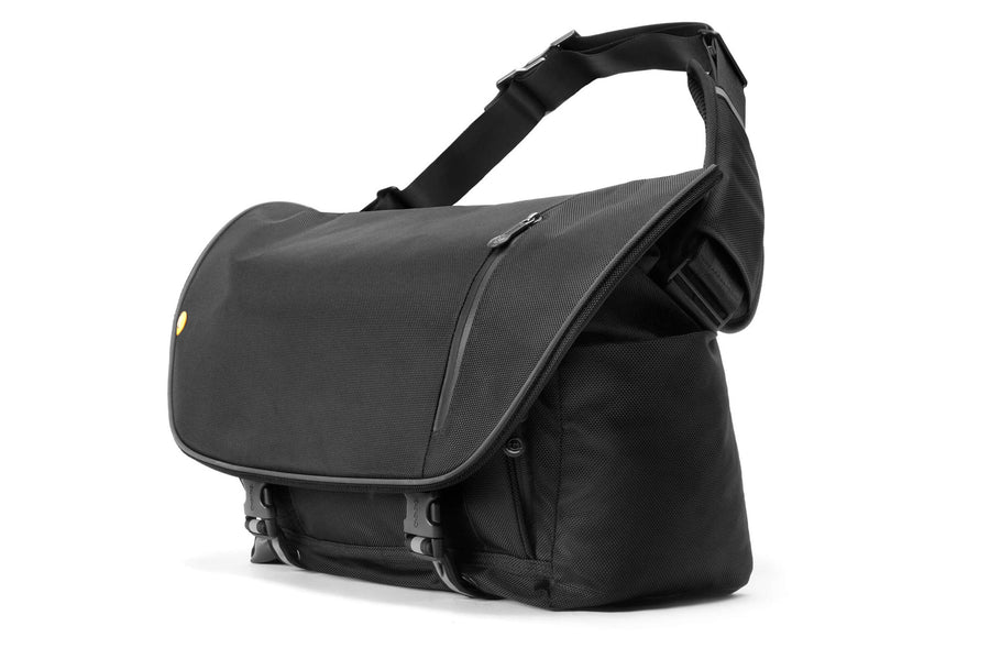 boa nerve 13-15 inch laptop messenger bag