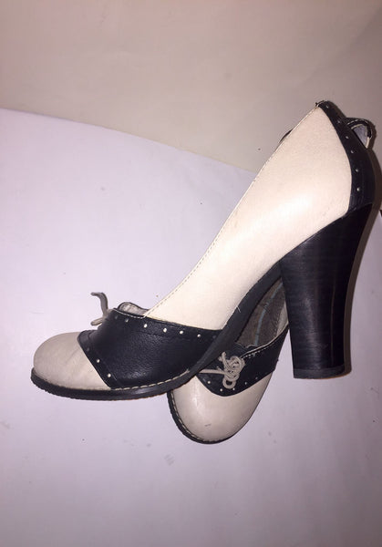 Black and White Oxford with Heels Size 8