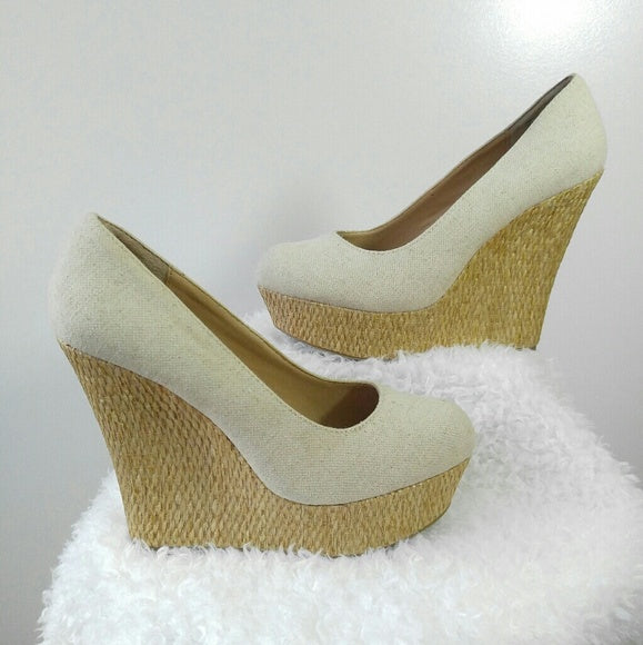 Brash Fabric Wedges Size 10
