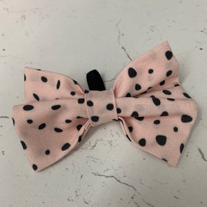 Moon Beam - Pink Animal Print Bow Tie