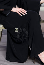Load image into Gallery viewer, Shehna hussain Black Flower Abaya