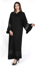 Load image into Gallery viewer, Shehna hussain Pin-up Abaya