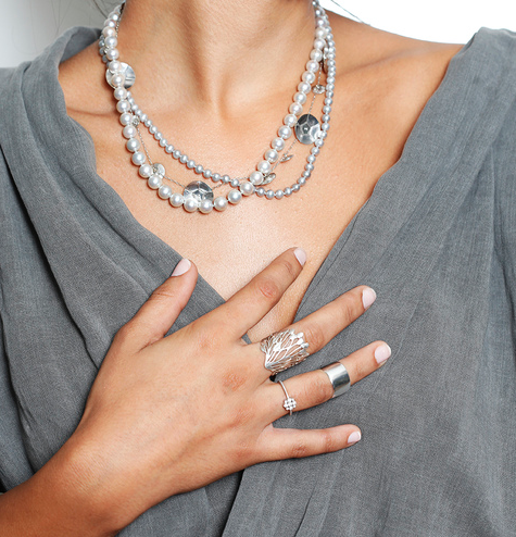 how we wear it pearl necklace silver rings