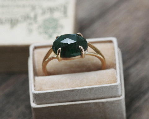 1.25-carat Oval Rose-cut Emerald & Yellow Gold Ring