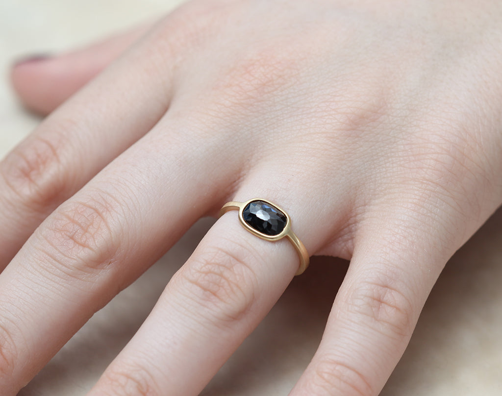 1.14ct Cushion Rose-cut Black Diamond & Yellow Gold Wire Ring